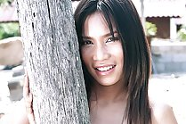 Donut Manatchanok strips outdoors and plays with huge dildo